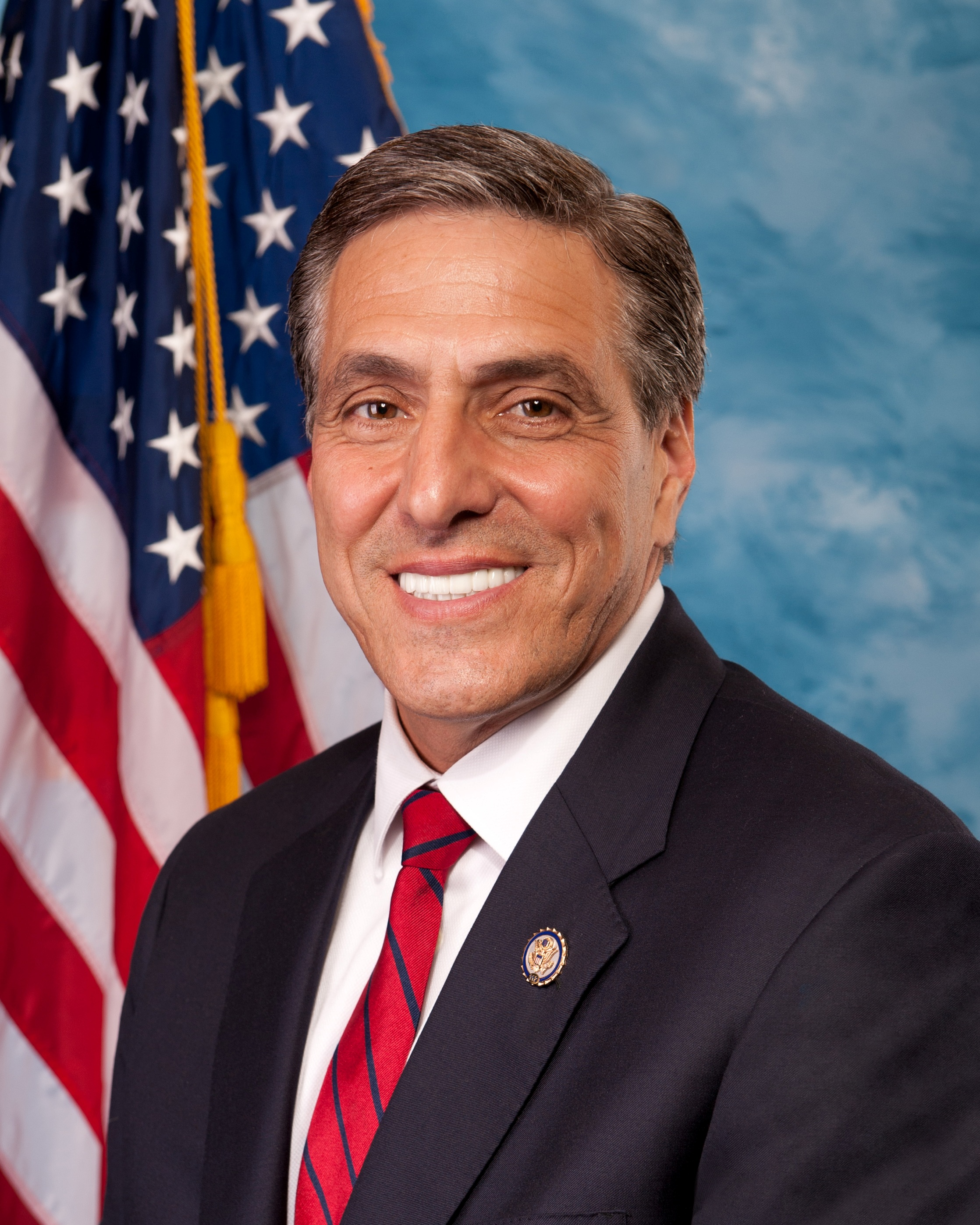 Lou_Barletta,_Official_Portrait,_112th_Congress_(2).JPG